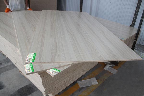 大森林实木厚芯生态板